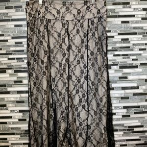 2️⃣ Worthington women's lace skirt